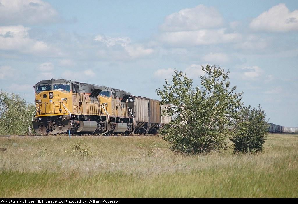 Union Pacific Railroad Unit Grain Train switches cars