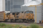 Union Pacific Railroad (UP) GE C44-9W No. 9825 and EMD SD70M No. 4511