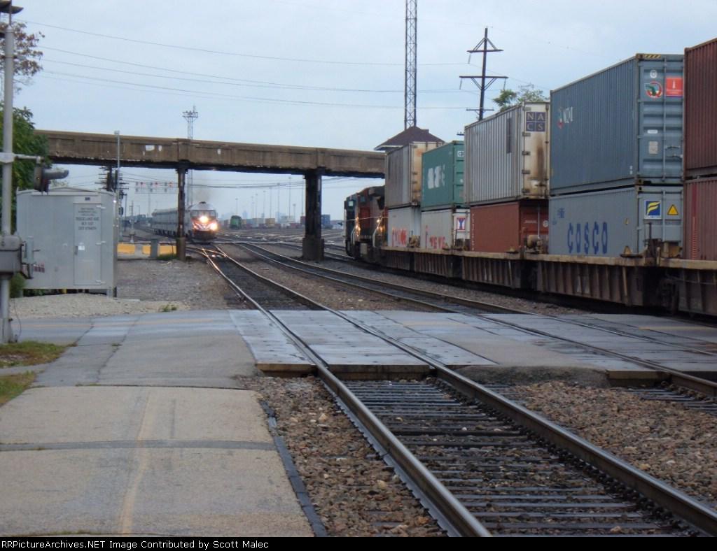 NS 8392, BNSF 906 & METX 401