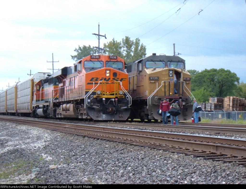 BNSF 7636 & UP 9739
