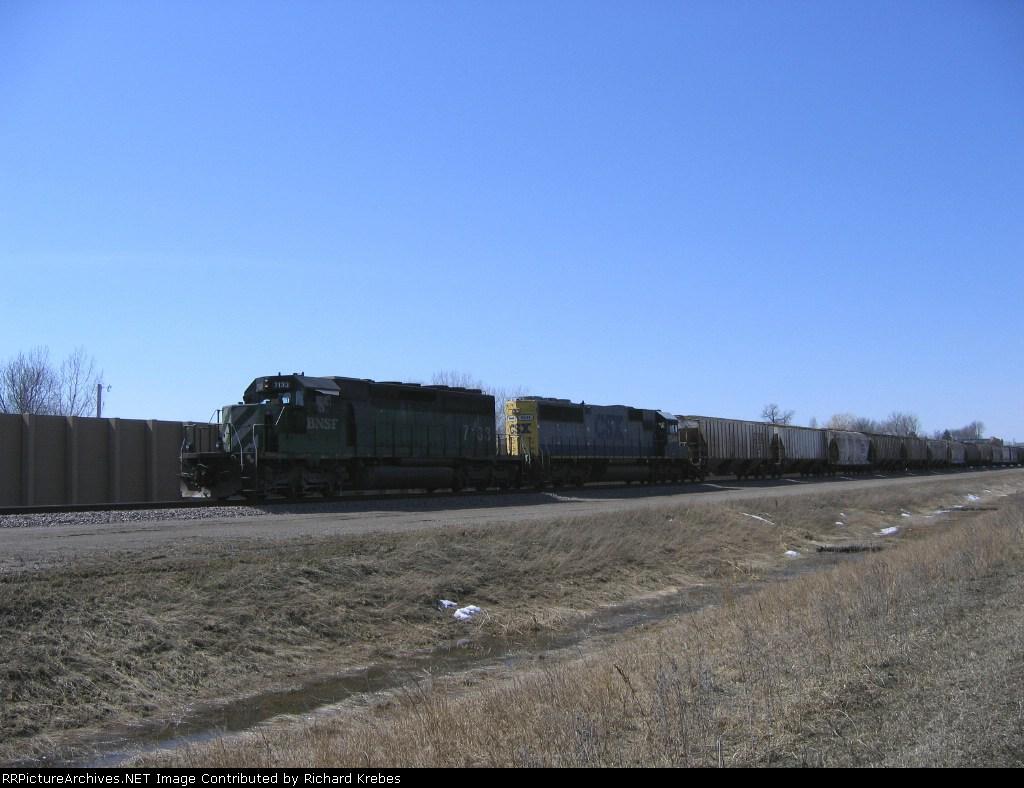 BNSF 7133 And CSX 8544