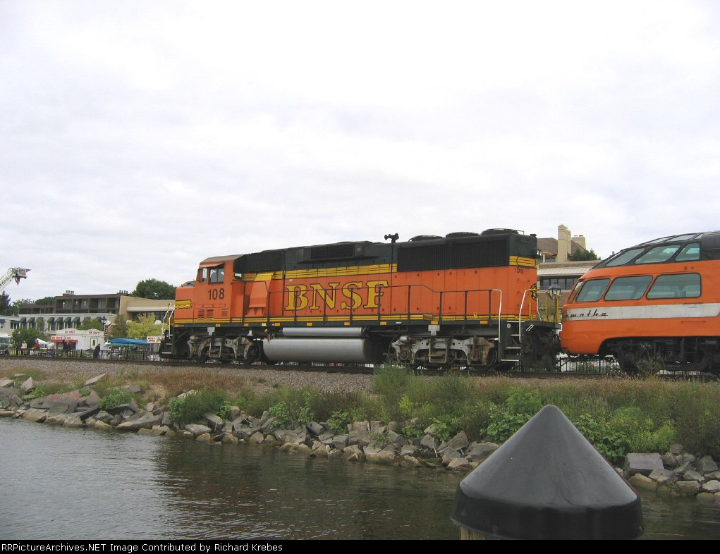 BNSF GP60M 108 arriving on hind end of 261 excursion.