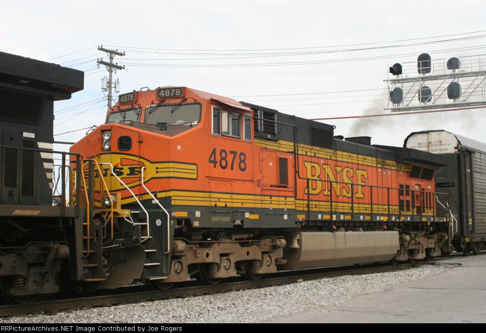 BNSF 4878