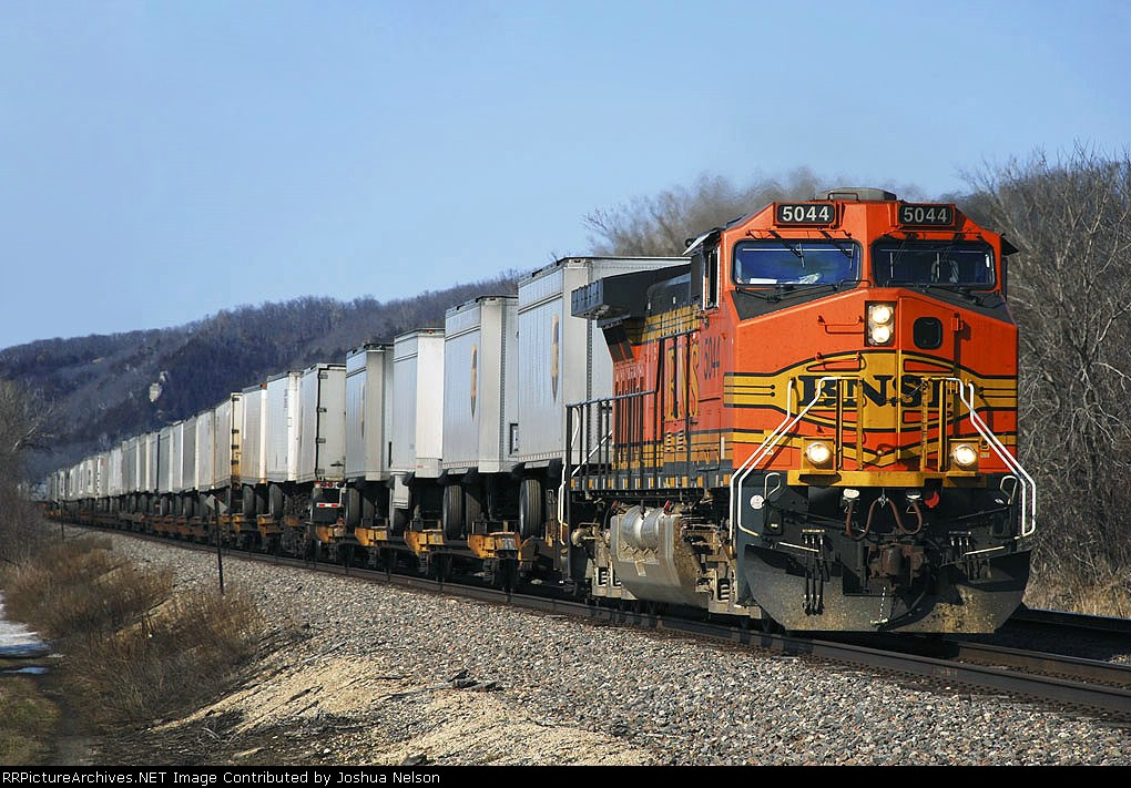 BNSF 5044