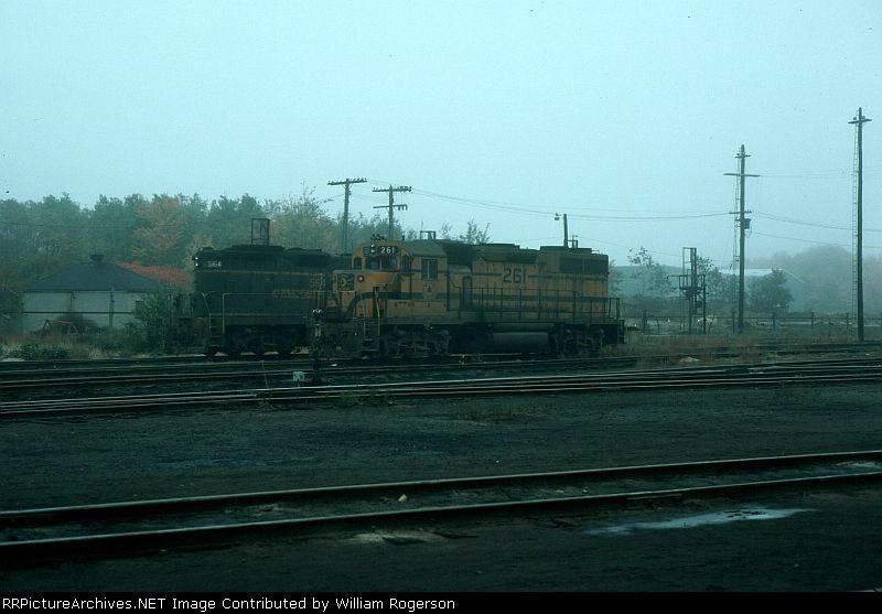 Maine Central Railroad (MEC) EMD GP38 No. 261 and GP7 No. 564