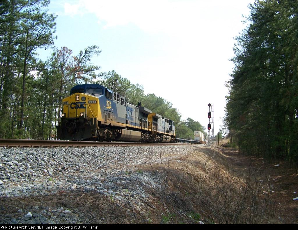 CSX 375 & 345 on a Northbound Intermodal