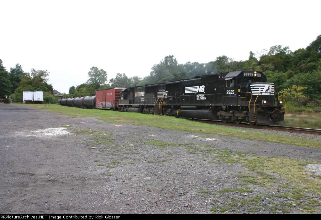 Ethanol unit train 64R @ 1324 hrs.