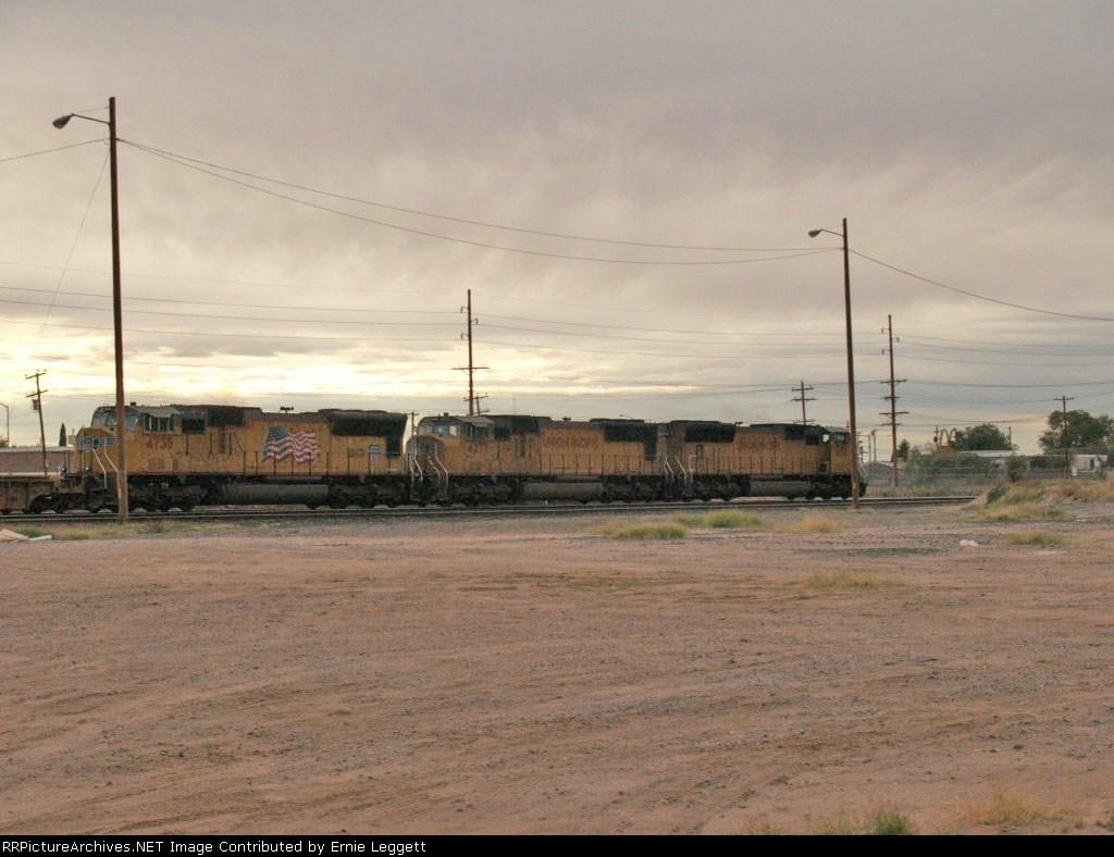 UP 4713, UP 4277, and UP 4738 enter the switching yard at Alfalfa