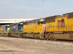 CEFX 2785, HLCX 6411, CSX 8015 
