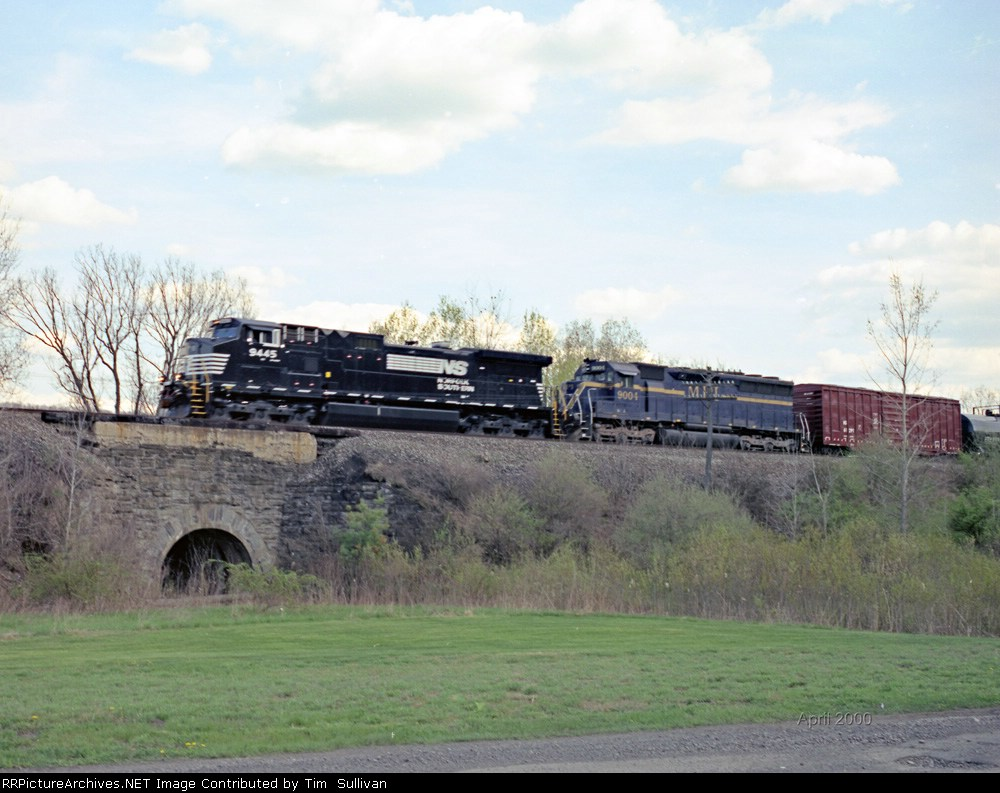 NS 9445 e/b on the old Erie main