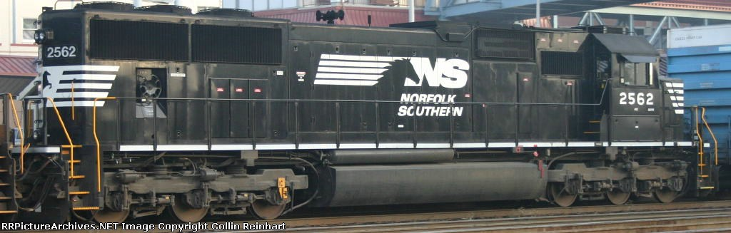 NS 2562