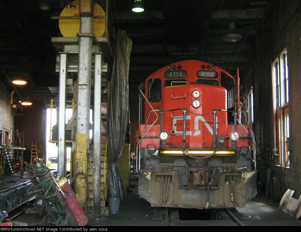 CN 4114