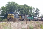 CSX 7661 on Q619 heading south