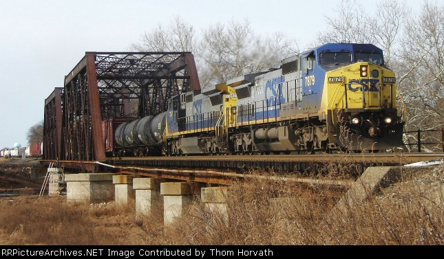 CSX Q300 is eastbound over CR's Shared Assets Lehigh Line