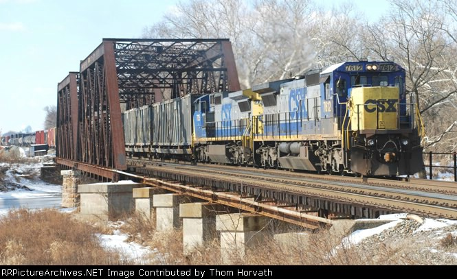 CSX Q300 is on the move east over the LEHL It is 11 AM as with 47 cars