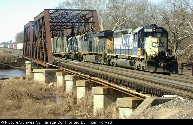 After working Manville yard, CSX Q300 heads east