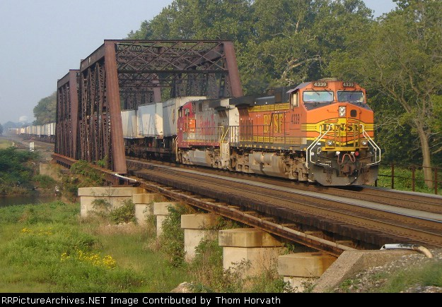 NS 212 is eastbound over CR's Shared Assets Lehigh Line on 9/9/06