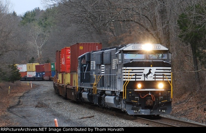 NS 22V's colorful COFCs provided color on this dreary day
