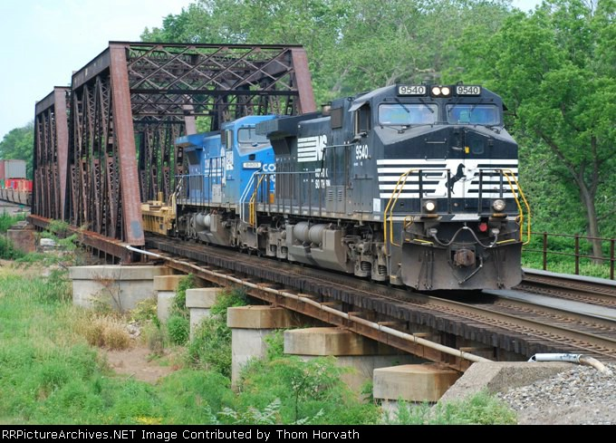 NS 24V heads down track 2 at 10:30 on this Saturday morning