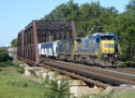 CSX Q300 rolls east over the Raritan River