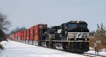 NS 22V makes its way east on a snowy morning @ LEHL MP 40