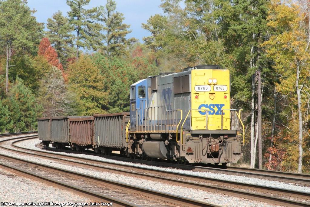 CSX 8763 pulls long hood forward on an Abbeville local