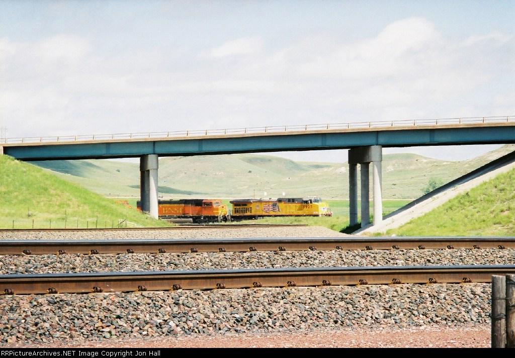 UP 5925 leading a BNSF train