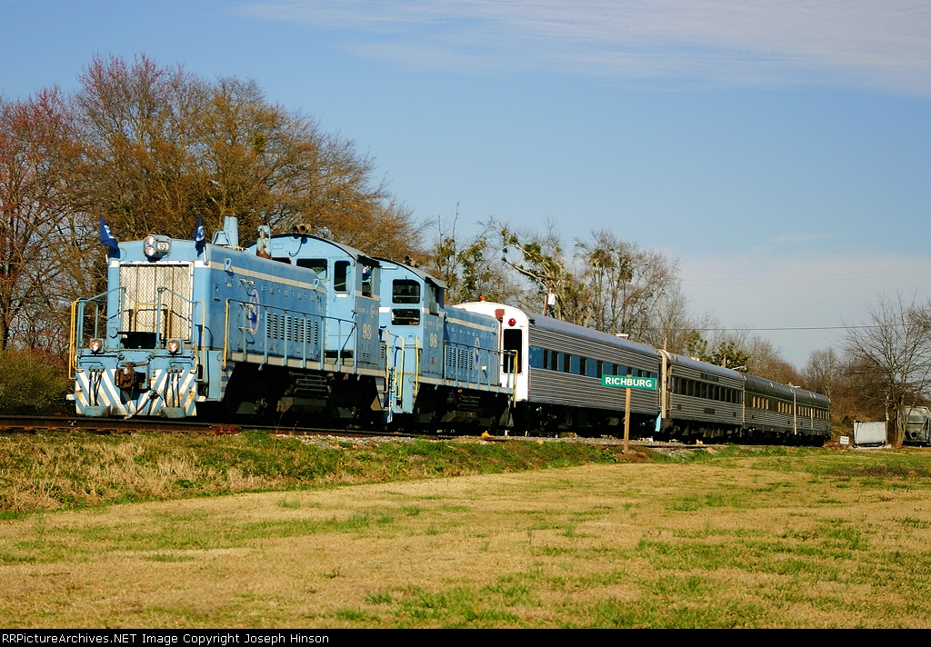 LC 93 on a Dinner Train
