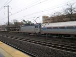 Amtrak AEM-7 952 Entering Metropark Station