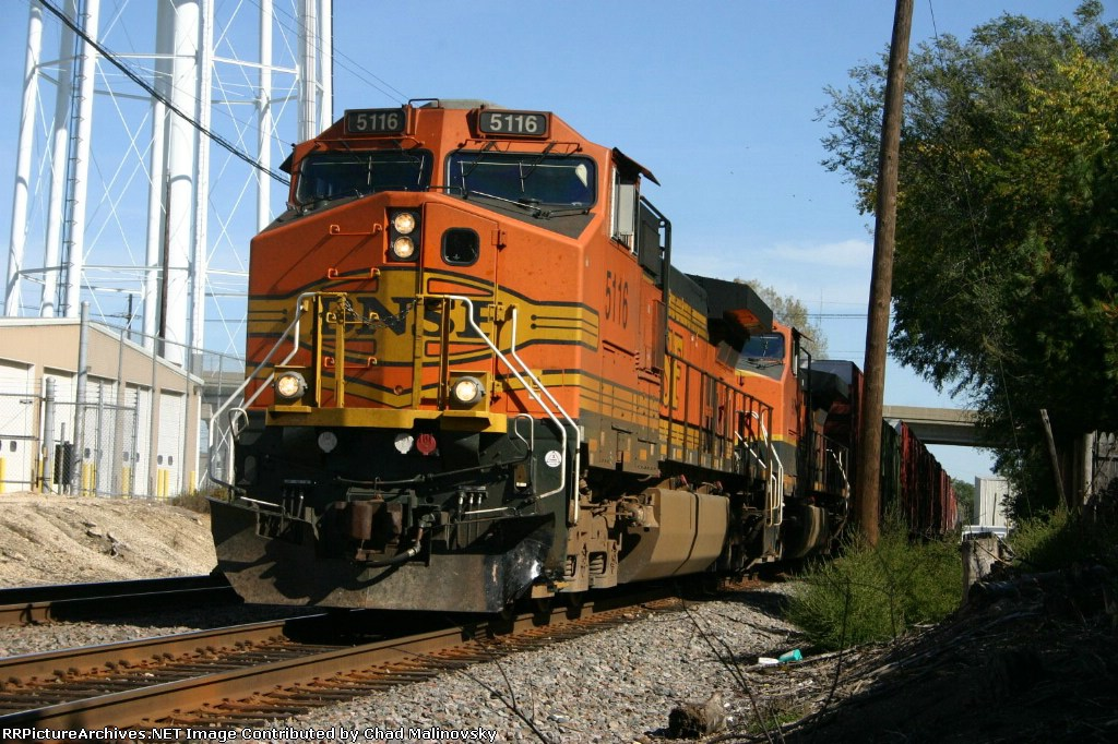 BNSF 5116 is finished with his set out and pick ups