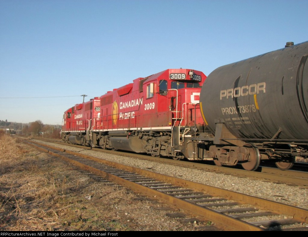 Matched Set; Lead Locomotive is #3008