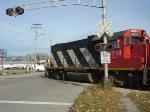 CN 4714 crossing Elizabeth Street