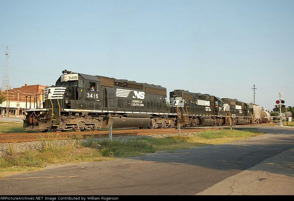 Norfolk Southern Railway Mixed Freight Train with EMD SD40-2 No. 3415, GP38-2 No. 5274 and GP38-2 No. 5171 providing power
