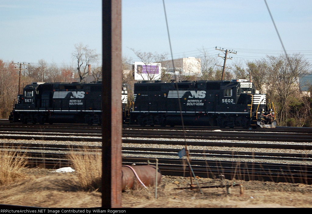 Norfolk Southern Railway (NS) EMD GP38-2's No. 5602 and No. 5671