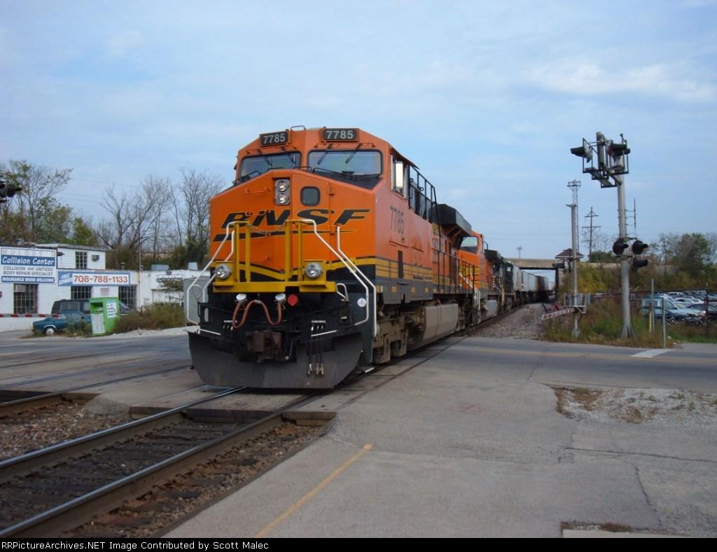 BNSF 7785 & NS 9001