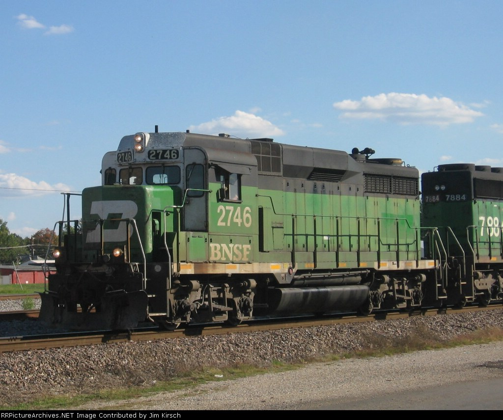BNSF 2746