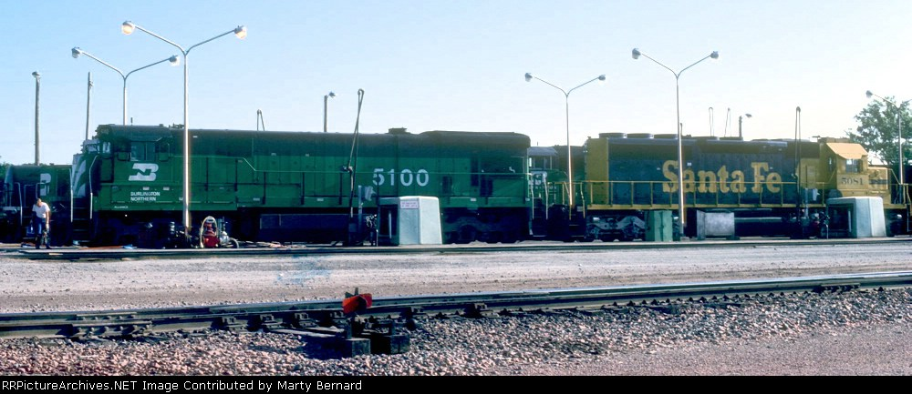 BN 5100 and AT&SF 5081 at the Westbound Hobson Yard Fuel Rack