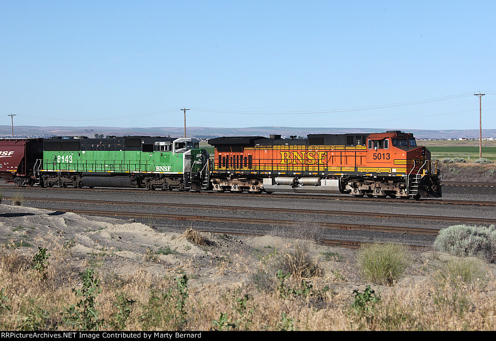 BNSF 5013 and 8143 in ex-NP Pasco Yard