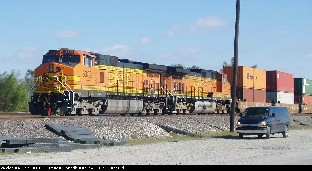 BNSF 5332 and 5095 Ready to Go West from Avondale Yard