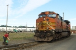 BNSF 5049 and Switch(wo)man