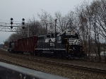 NS 5609 with midday local freight
