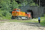 BNSF 5472 exiting Cascade Tunnel