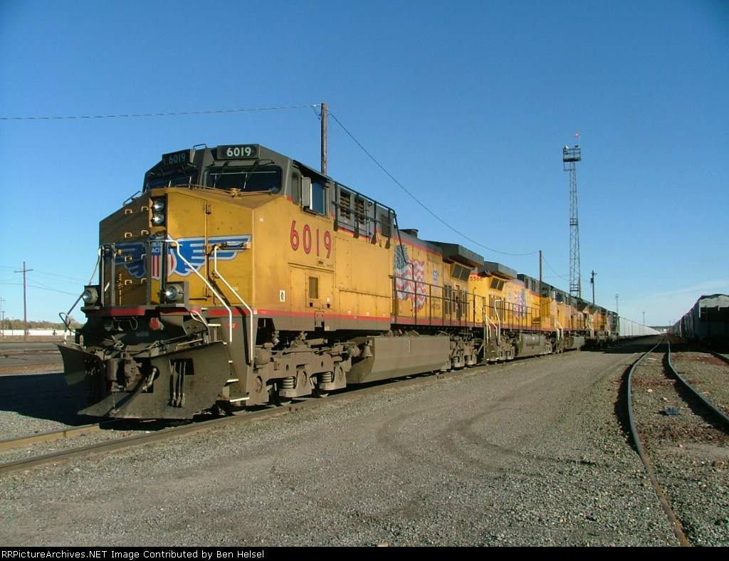 UP 6019 w/ 4 others on coal empty at Pueblo Co