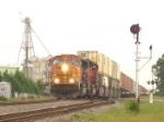 BNSF 8879 bearing down