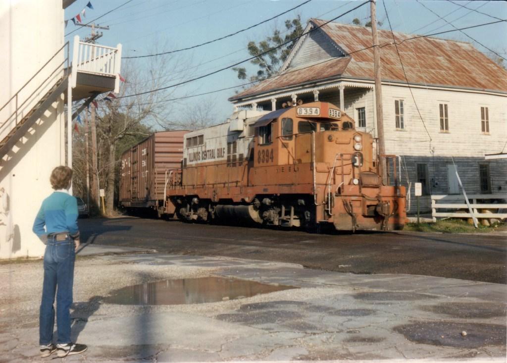 ICG 8394 entering street