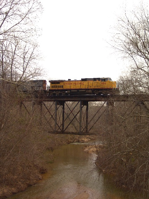 UP 9811 crossing Big Lazar Creek