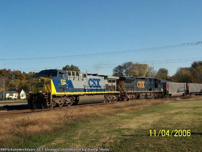 CSX 522 leads southbound coal train