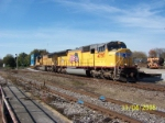 UP 4797 leads NS eastbound train 202