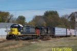 CSX 8885 leads southbound with ex SP tunnel motor
