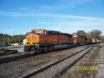 BNSF 5985 leads NS train 735 westbound